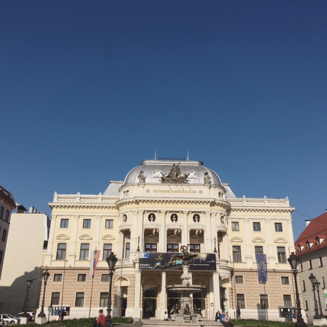 Potulky v Bratislave - Staré mesto - Slovenské národné divadlo