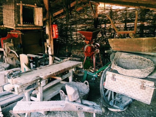 vodný kolový mlyn v peknej Jelke