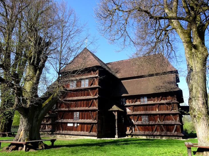 Čo vidieť v Banskobystrickom kraji? - drevený kostol Hronsek
