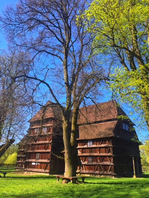 Kostolíky na Slovensku - Drevený artikulárny kostol v Hronseku