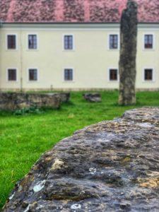 Unikáty na Záhorí - Holíčske megality