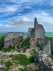 Pamiatky na Záhorí - Plavecký hrad