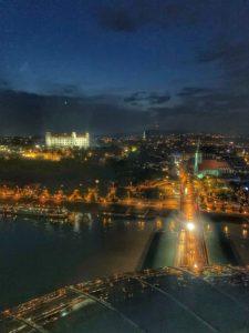 UFO v Bratislave - nočná Bratislava